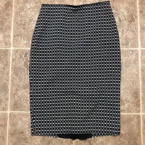 Express Skirts - Professional checkered knee length pencil skirt.